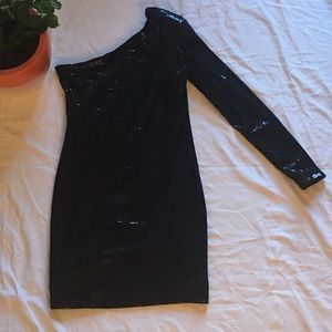 🔻BCBGeneration dress black sequined one sleeve
